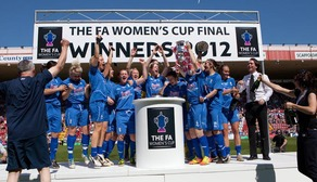 BLUES LIFT FA CUP