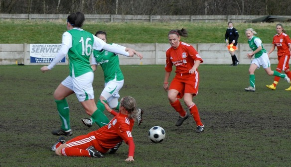Lynda eyes up the ball