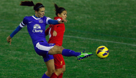 Jill Scott battles Fara Williams