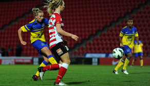 Toni Duggan shoots against the Belles