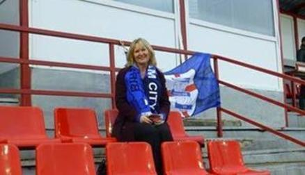 Sharon supporting the Blues in Russia