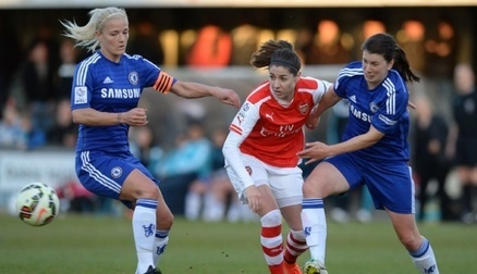 Vicky Losada battles against former Gunner's Katie Chapman and Niamh Fahey