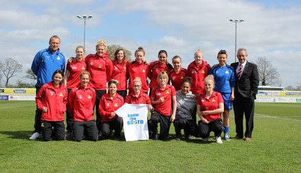 The team raising awareness of bowel cancer #knowthescore