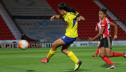 OPENER: Maz Pacheco pounces at the backpost against Sunderland