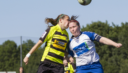 Sarah Wilson in action against Yeovil. Photo by George Ledger