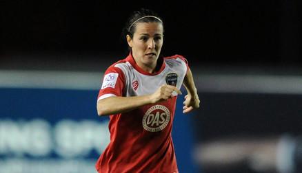 Natalia signs for Arsenal