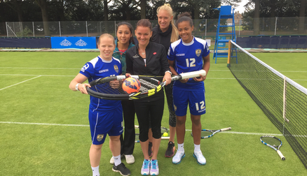 Whelan and Buet with Radwanska, Diyaz and Rae