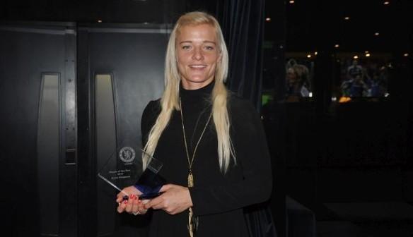 Ladies Reaction: Awards Rewards