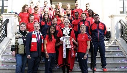 Arsenal Ladies visit Islington Town Hall