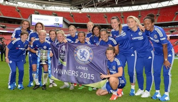 Ladies' Signing Session in Megastore on Thursday