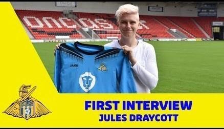 Jules Draycott Signs