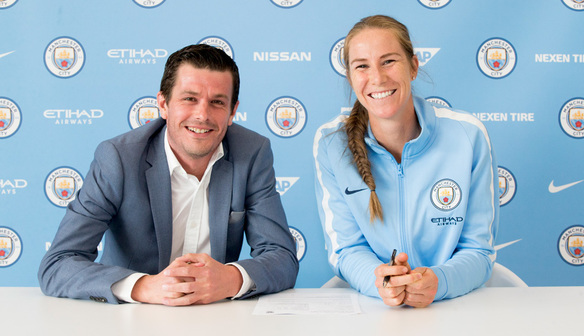 Bardsley signs new MCWFC deal