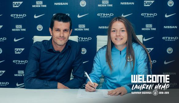 City sign Lauren Hemp