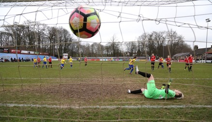 Courtney Sweetman-Kirk sends the Belles into the next round