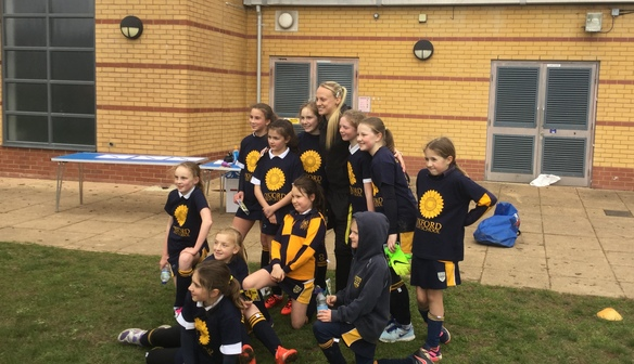 Oxford United WFC supports Oxford High School's Female Football Project