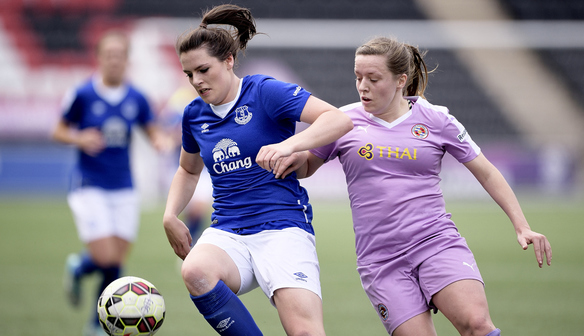 Emily Hollinshead in action against Reading.