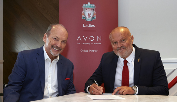 Photo gallery: Redfearn joins Reds from Belles